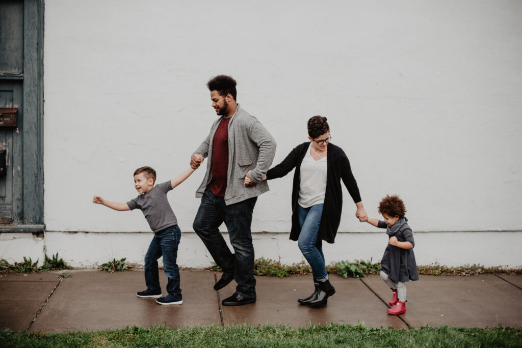 Family spending time together limiting screen time
